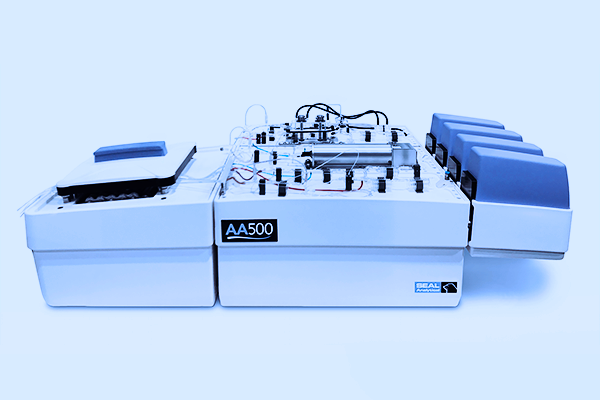 The SEAL AA500 Segmented Flow Analyzer